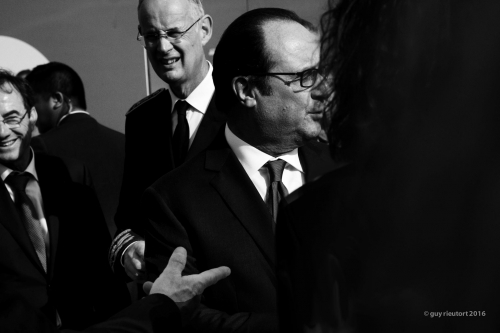 HOLLANDE-BLACK.jpg